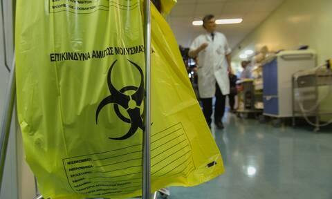 Κορονοϊός-Η μάχη γιατρών και νοσηλευτών: Συγκλονίζουν οι εικόνες μέσα από την ΜΕΘ του «Παπανικολάου»