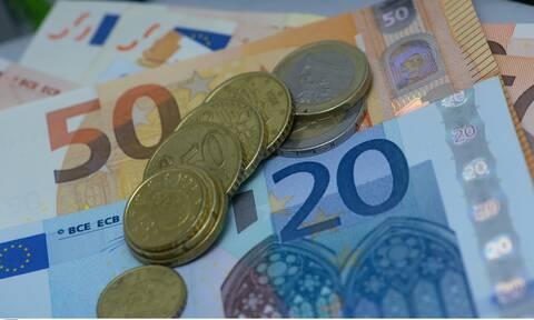 Έκτακτη εισοδηματική ενίσχυση από 400-850 ευρώ σε οικογένειες με παιδιά