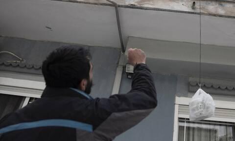 Κορονοϊός: Το καφενείο στη Θεσσαλονίκη που μοιράζει φαγητό σε όσους έχουν ανάγκη