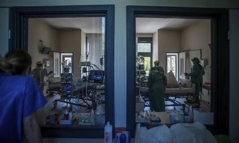Κορονοϊός: Συγκινεί 29χρονη γιατρός που νίκησε τον καρκίνο - Επισκέπτεται ασθενείς σε καραντίνα