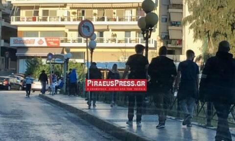 Κορoνοϊός: Ποια μέτρα...; Πλήθος κόσμου στην Πειραϊκή - Αγνοούν την καραντίνα