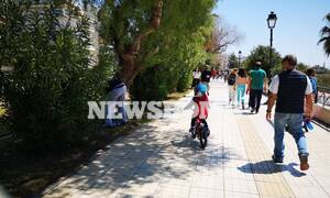 Το Newsbomb.gr στον Φλοίσβο: Βόλτες στον ήλιο την ώρα που ο Μητσοτάκης αποφασίζει για άρση μέτρων