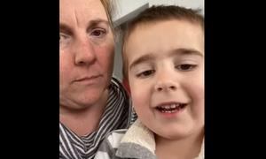 Κορονοϊός: Η σοκαριστική περιγραφή γιατρού για τη μάχη του 4χρονου γιου της με τον φονικό ιό (vid)