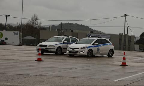 Ανατράπηκε φορτηγό στην Εθνική Οδό Αθηνών-Κορίνθου - Μόνο από την ΛΕΑ η κυκλοφορία