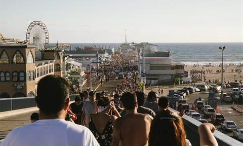 Κορονοϊός: Ο καύσωνας θα φέρει κοσμοσυρροή στις παραλίες των ΗΠΑ