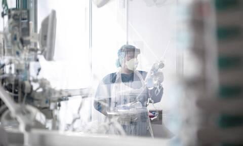 Κορονοϊός: Θρίλερ στην Ελλάδα - Γυναίκα βρέθηκε θετική στον ιό 20 μέρες αφού είχε πάρει εξιτήριο
