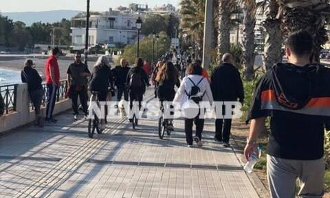 Ρεπορτάζ Newsbomb.gr: Ποια απαγόρευση; Δείτε τι γίνεται στο Φλοίσβο – Βόλτα στη λιακάδα οι Αθηναίοι