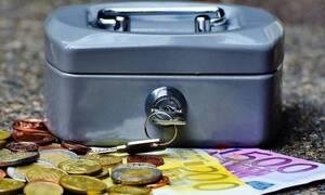 Κορονοϊός: Πώς θα κερδίσουν οι επιχειρήσεις έκπτωση 25% στον ΦΠΑ
