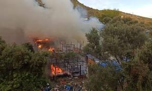 Σάμος: Μεγάλη φωτιά στη δομή προσφύγων - Σκηνές έγιναν στάχτη