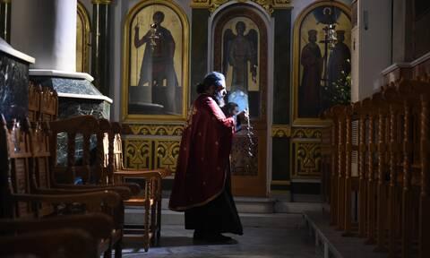 Κορονοϊός: Την επαναλειτουργία των εκκλησιών ζητούν οι ιεράρχες της Κρήτης