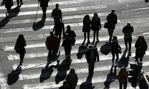 Γερμανικό μοντέλο στους μισθούς με σύμπραξη δημοσίου και ιδιωτικού τομέα – Τι εξετάζει η κυβέρνηση