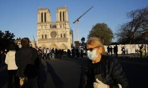Κορονοϊός Γαλλία: Τα εργοτάξια στην Νοτρ Νταμ άνοιξαν πάλι μετά από ενάμιση μήνα απραξίας