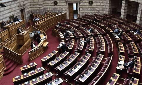 Άγριος καυγάς στη Βουλή για το περιβαλλοντικό νομοσχέδιο