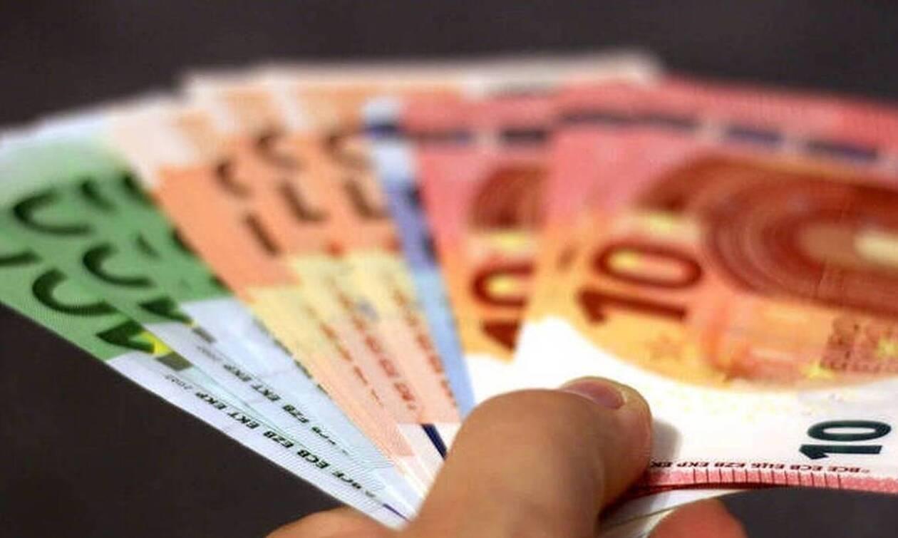 Επίδομα 800 ευρώ για επαγγελματίες και επιχειρήσεις: Ποιοι είναι οι δικαιούχοι - Πότε θα πληρωθούν