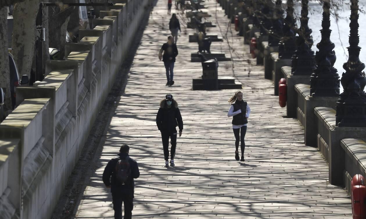 Κορονοϊός - Βρετανία: Πάνω από 21.000 οι νεκροί - 639 θάνατοι σε ένα 24ωρο