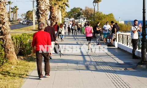 Ρεπορτάζ Newsbomb.gr: Γεμάτος ο Φλοίσβος την ώρα που ο Μητσοτάκης ανακοίνωνε την άρση των μέτρων