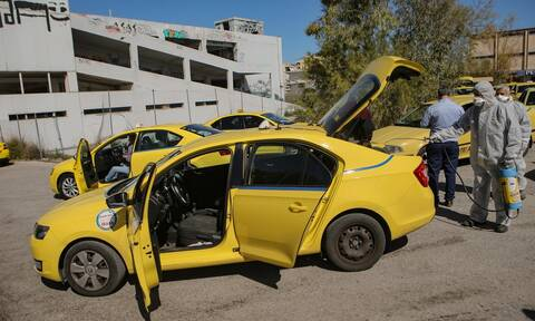 Άρση μέτρων: Αντιδρά ο ΣΑΤΑ στη συνέχιση της μεταφοράς ενός επιβάτη ανά ταξί