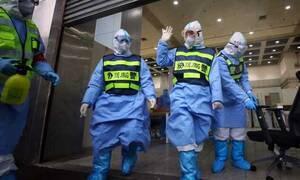 Κορονοϊός - Έρευνα - σοκ: Πώς μεταδίδεται μέσω του αέρα - «Κρύβεται» στα ρούχα