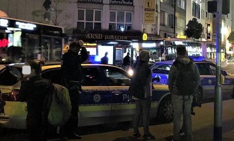 Γερμανία: Χάος στη Φρανκφούρτη με επίθεση με μαχαίρια σε περαστικούς