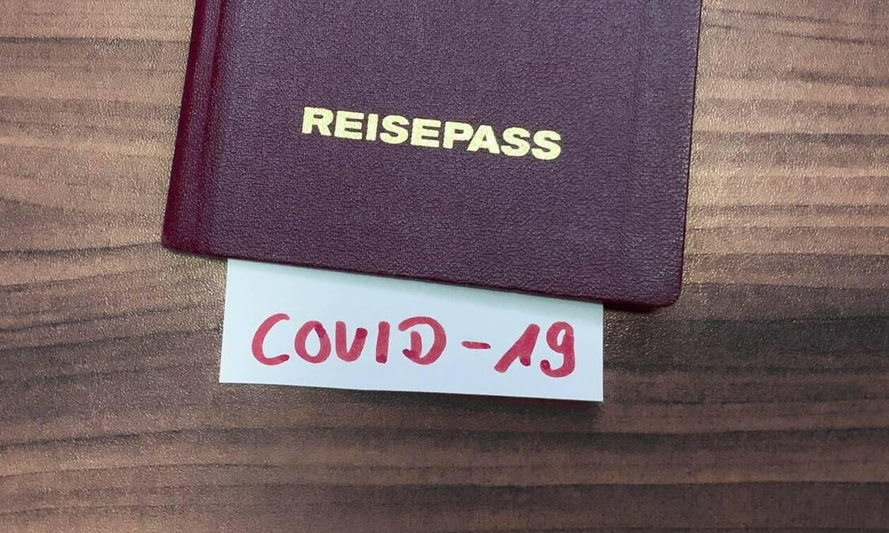 Ποιοι και γιατί διακινούν τον μύθο περί «διαβατήριων ανοσίας»; Επιφυλάξεις από ΠΟΥ και Τσιόδρα