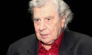 Композитору Микису Теодоракису вручили юбилейную медаль к 75-летию Победы