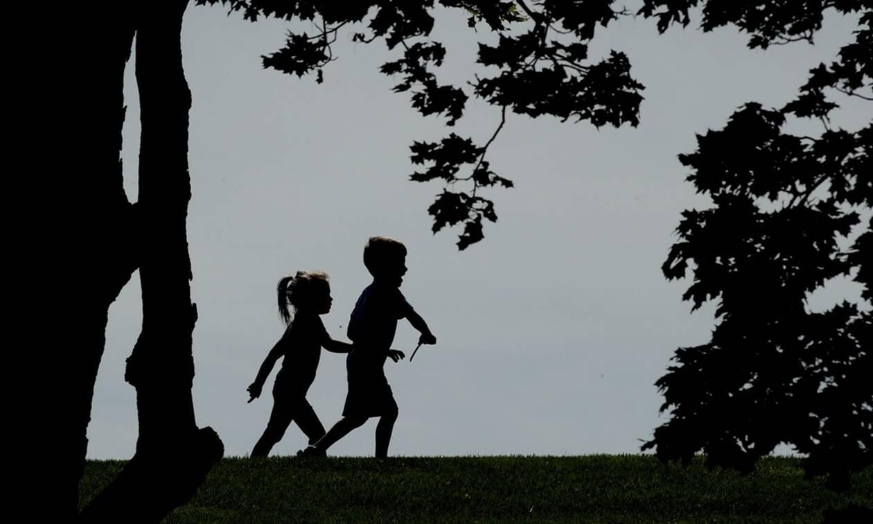 Συναγερμός: Συμπτώματα σπάνιας νόσου σε παιδιά