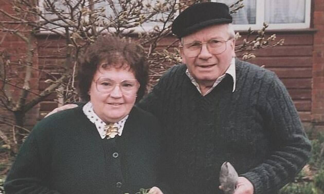 Κορονοϊός: Συγκλονιστική ιστορία - 90χρονος έβγαλε την μάσκα οξυγόνου όταν πέθανε η σύζυγός του