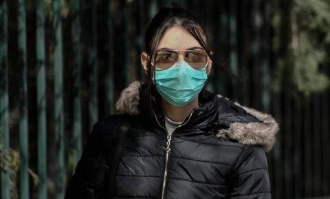Κορονοϊός - Τσιόδρας: Γιατί είπαμε «ναι» στη χρήση μάσκας - Τα λάθη και οι κίνδυνοι