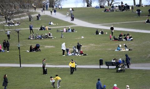 Κορονοϊός - Σουηδία: Απίστευτο! Δείτε τι θα κάνουν για να διώξουν τους γλεντζέδες από τα πάρκα