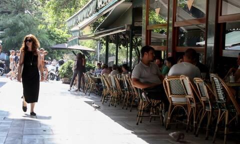 Άρση μέτρων: Πότε ανοίγουν οι καφετέριες, τα μπαρ και τα εστιατόρια