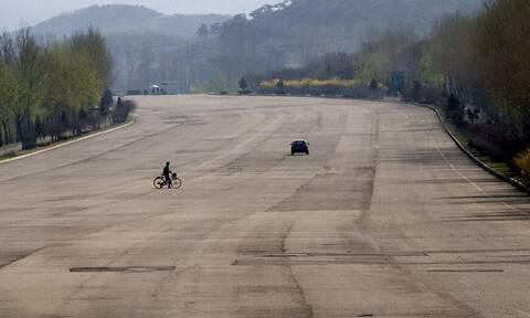 Βόρεια Κορέα: Οι απίστευτες εικόνες που θα σας κάνουν να ανατριχιάσετε