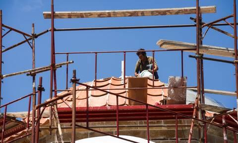 Κορονοϊός: Όλα τα μέτρα στήριξης εργαζομένων ειδικών κατηγοριών-Ποιοι και πώς θα πάρουν τα 800 ευρώ