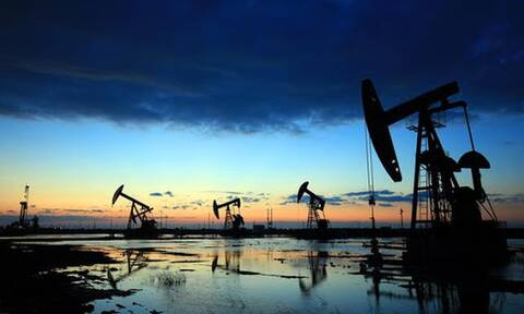 Нефть продолжила дорожать на признаках восстановления спроса