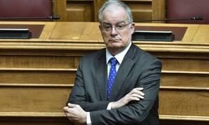 Βουλή: Ο Τασούλας «διόρθωσε» Βελόπουλο και Βαρουφάκη στην Ολομέλεια