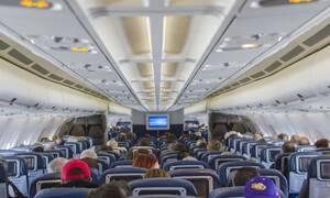 Κορονοϊός: Τι συμβαίνει μέσα στο αεροπλάνο όταν βήχει κάποιος
