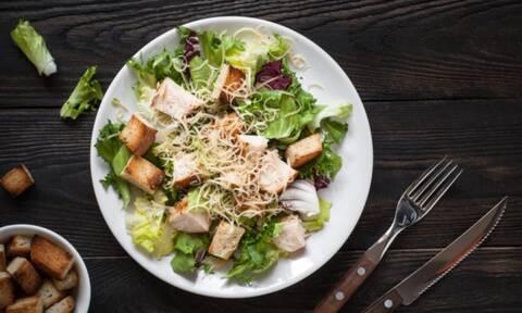 Ποιες είναι οι καλύτερες τροφές για κάθε ώρα της ημέρας (εικόνες)