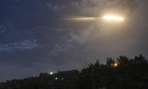 Εκτόξευση πυραύλων από ισραηλινά ελικόπτερα στο νότο της Συρίας