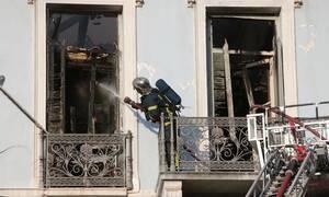 Υπό έλεγχο η φωτιά στο κέντρο της Αθήνας (pics&vid)