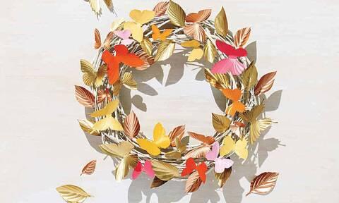 Φτιάξε ένα ανοιξιάτικο στεφάνι διαφορετικό από τα συνηθισμένα με χρωματιστές πεταλούδες