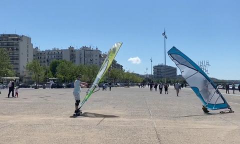 Κορονοϊός - Θεσσαλονίκη: Windsurfers βγήκαν στη στεριά! (vid)