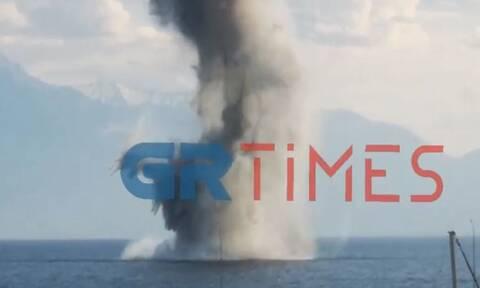 Νέα Μηχανιώνα: Εξουδετερώθηκε η νάρκη – Η στιγμή της ελεγχόμενης έκρηξης