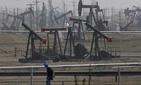 Νέα Υόρκη: Μεγάλη πτώση στη Wall Street -  «Αγγίζει» τα 20 δολάρια το αμερικάνικο πετρέλαιο