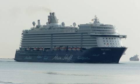 Κορονοϊός: Συναγερμός στο θηριώδες Mein Schiff 3 - Σε καραντίνα σχεδόν 3.000 επιβαίνοντες