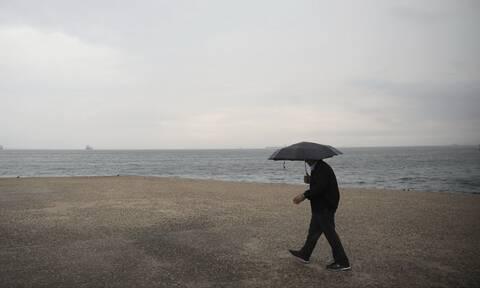 Καιρός: Σάββατο με βροχές και καταιγίδες στη μισή Ελλάδα - Πού θα είναι έντονα τα φαινόμενα (pics)