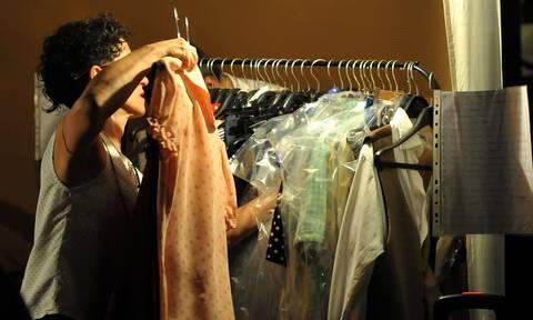 Άρση μέτρων: Πώς θα δοκιμάζουμε ρούχα - Οδηγίες για την είσοδο μας στα καταστήματα