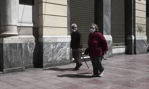 Κορονοϊός - Άρση μέτρων: Πώς και πότε θα επιτραπεί στους ηλικιωμένους να πάνε στα χωριά τους