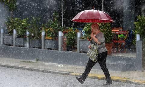 Άστατος καιρός με νεφώσεις και βροχές - Πού θα σημειωθούν καταιγίδες (χάρτες)