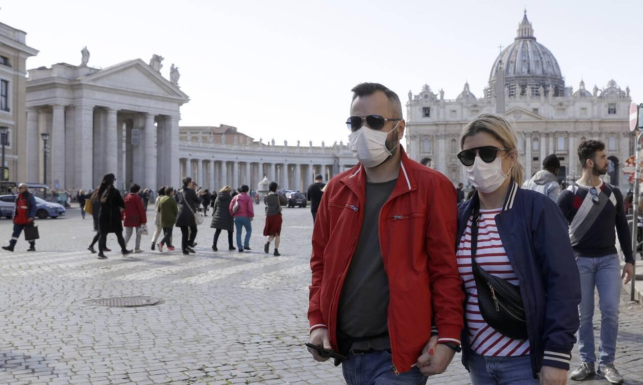 Κορονοϊός Ιταλία: Επιστροφή στην κανονικότητα! Ναι στις συναντήσεις όταν υπάρχει «μόνιμη σχέση»