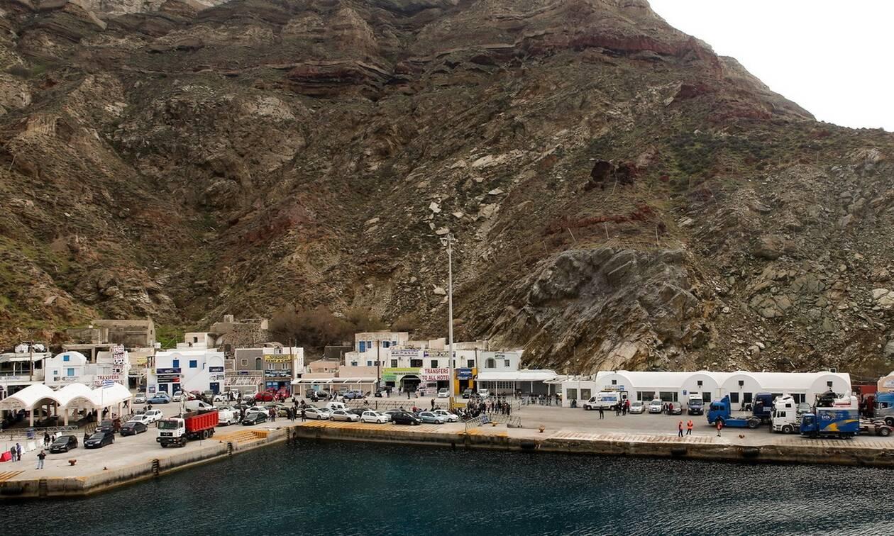 Σαντορίνη: Πρόσκρουση πλοίου στο λιμάνι του Αθηνιού