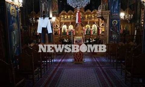 Ρεπορτάζ Newsbomb.gr: Άνοιξαν οι εκκλησίες - Με μάσκα και αποστάσεις η προσευχή των πιστών